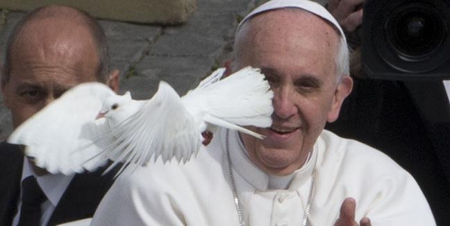 PapaFranciscoConPaloma.jpg